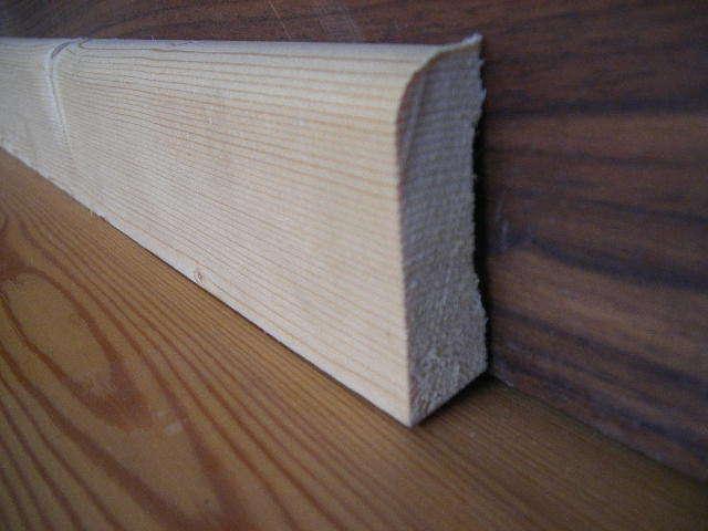 sockelleisten holz sockelleiste fichte massiv 20 x 68 mm lange 400 cm a b sortierung weiss hornbach